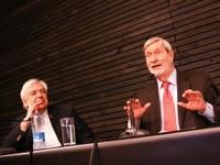 """Gianni Vattimo: """"El capitalismo tiene la necesidad de crisis"""""""